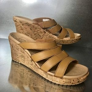 Crocs Women's A Leigh Leather Strap Sandals NWOT